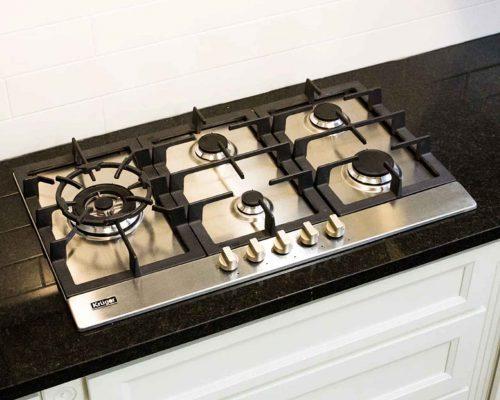 kruger-vigo-gas-cooktop-2.jpg